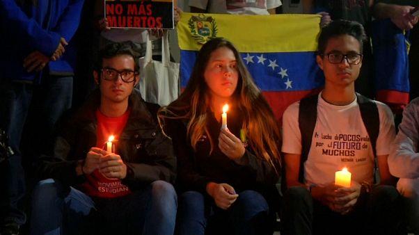 Los estudiantes venezolanos recuerdan a sus compañeros caídos