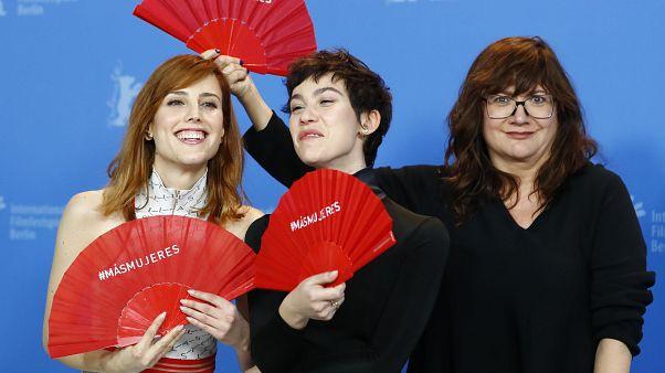 Netflix yapımı 'Elisa y Marcela' Berlin Film Festivali'ni ikiye böldü