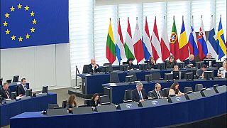 Verhofstadt vs Conte, le reazioni