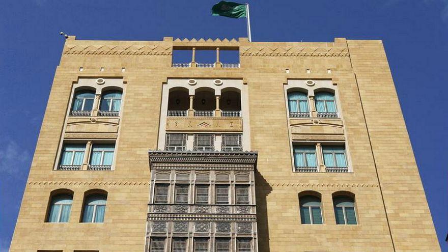 السعودية ترفع الحظر عن سفر مواطنيها للبنان