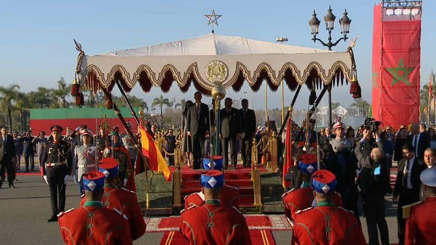 شاهد: الملك محمد السادس يستقبل العاهل الإسباني والملكة ليتيثيا بالرباط