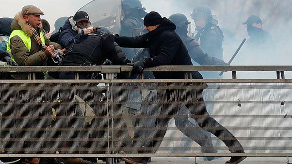 Polise yumruk atan Sarı Yelekli boksöre bir yıl hapis cezası verildi
