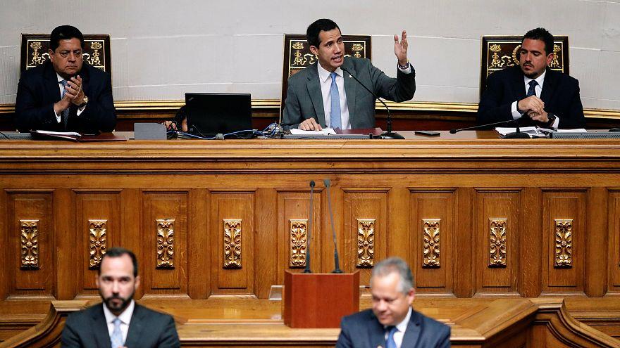 Maduro karşıtı Venezuela meclisi petrol şirketlerine yeni yöneticiler atadı