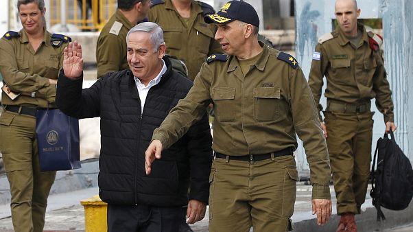رئيس الوزراء الإسرائيلي بنيامين نتنياهو خلال تفقده لمنظومة القبة الحديدية