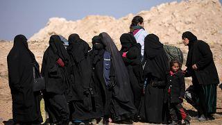 مدنيون في منطقة الباغوز شرق سوريا