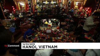 In Vietnam besuchen Singles am Valentinstag einen Tempel der Liebe