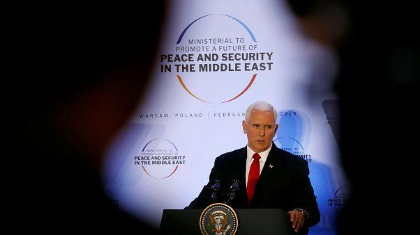 بنس يطالب الأوروبيين بالانسحاب من الاتفاق النووي الإيراني