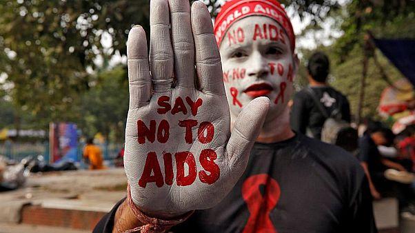 """عقارٌ إيطاليٌّ يزيلُ 90 بالمائة من """"الخزّان الكامن"""" لفيروس """"الإيدز"""""""
