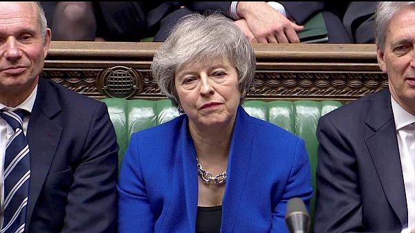 Yeni bir Brexit anlaşması isteyen May'e İngiliz parlamentosundan darbe