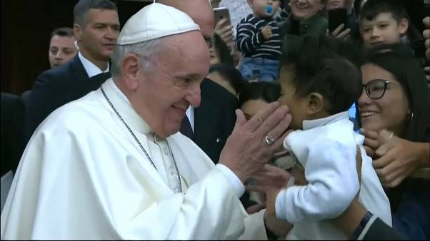 الفاتيكان يستدعي أساقفته حول العالم لمناقشة أزمة الاعتداءات الجنسية