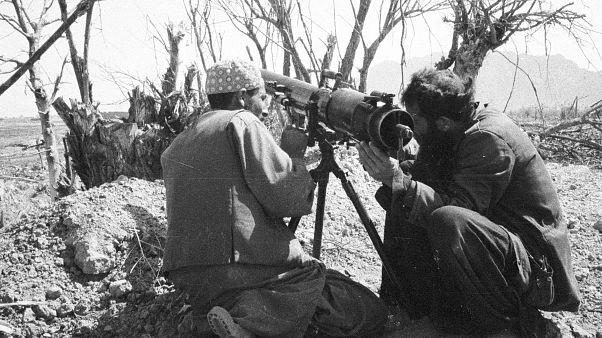 Kızıl Ordu'ya karşı savaşan Afgan gerillalar (1985)