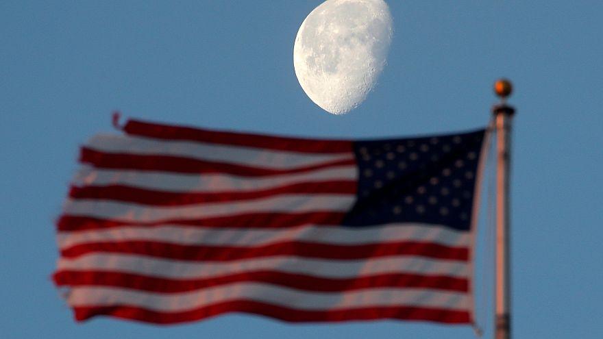 Az amerikaiak mihamarabb vissza akarnak térni a Holdra, és ott is maradnának