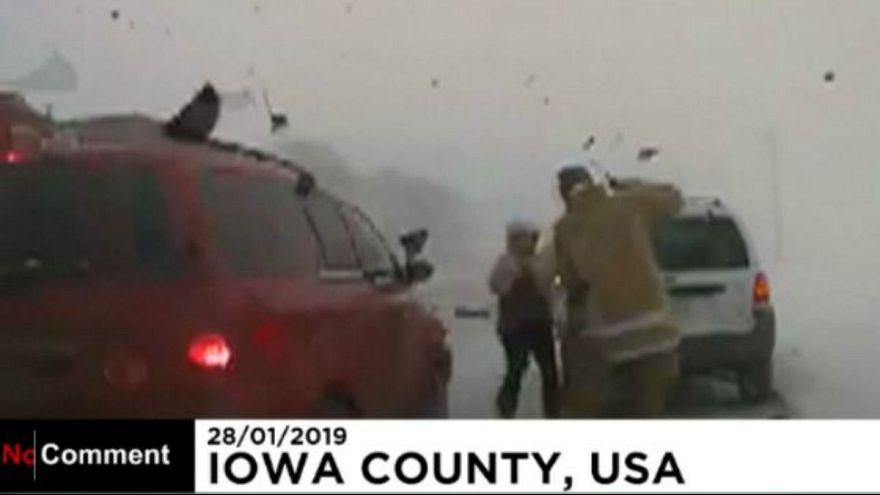 آمریکا؛ رانندگی دیوانهوار باعث زخمی شدن معاون پلیس آیووا شد