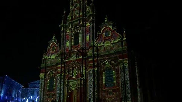"""شاهد: مهرجان """"النور"""" في بروكسل.. طقسٌ من ألف ليلة وليلة"""