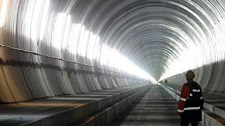 هشدار کمیسیون اروپا به ایتالیا درباره توقف پروژه ساخت خط راه آهن با فرانسه