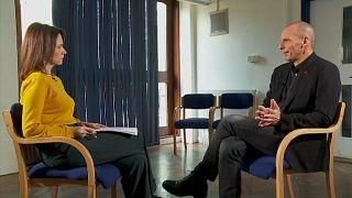 Ο Γιάνης Βαρουφάκης για την υποψηφιότητά του στις Ευρωεκλογές