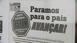 Una huelga de funcionarios paraliza Portugal