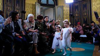 من أسبوع الموضة للأطفال في باريس