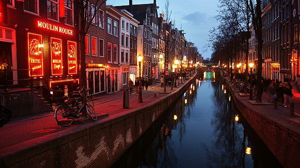 Amsterdam Belediye Başkanı: Fuhşun turist çekmesi aşağılayıcı ve kabul edilemez