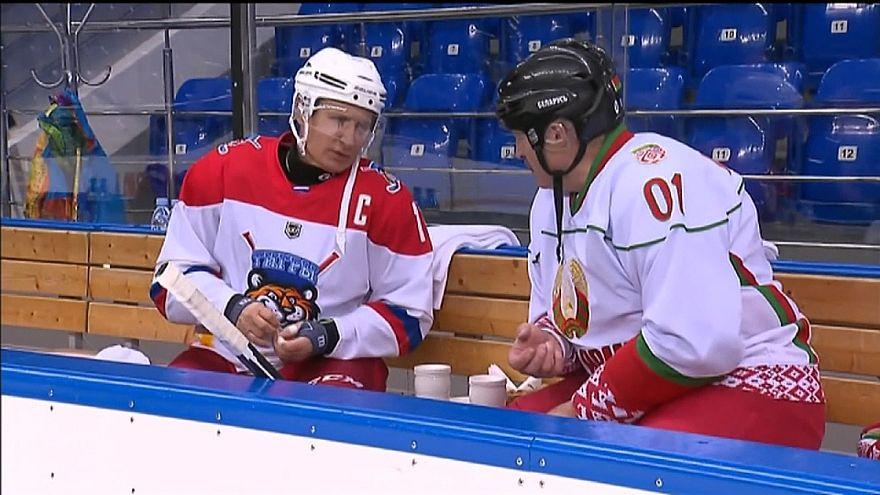 Ο Πούτιν έπαιξε χόκεϊ επί πάγου με τον πρόεδρο της Λευκορωσίας
