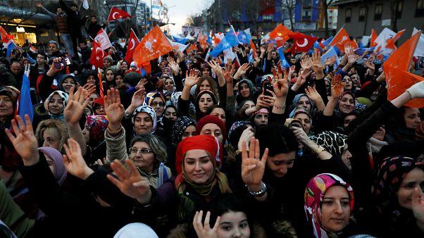 90.000 Geisterwähler und viele Geschenke vor Kommunalwahl in Türkei