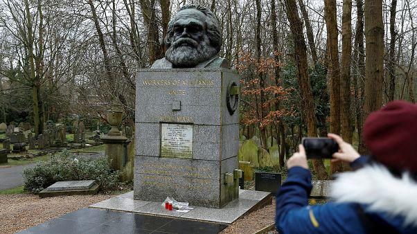 Alman filozof Karl Marx'ın mezarına son iki haftada 2'nci saldırı