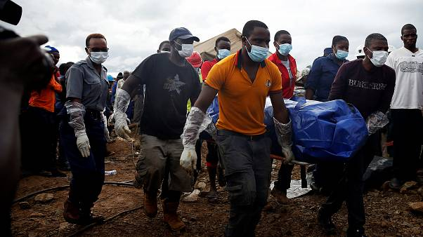 Zimbabve: Altın arayan 22 madencinin cansız bedenine ulaşıldı