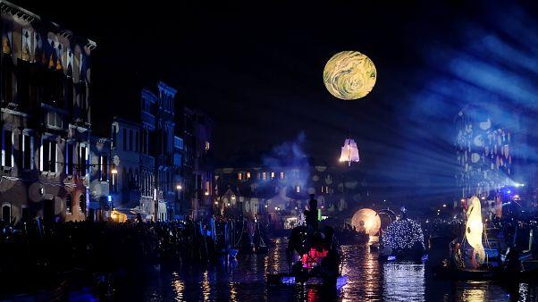 """""""La faute de la lune"""" au carnaval de Venise"""