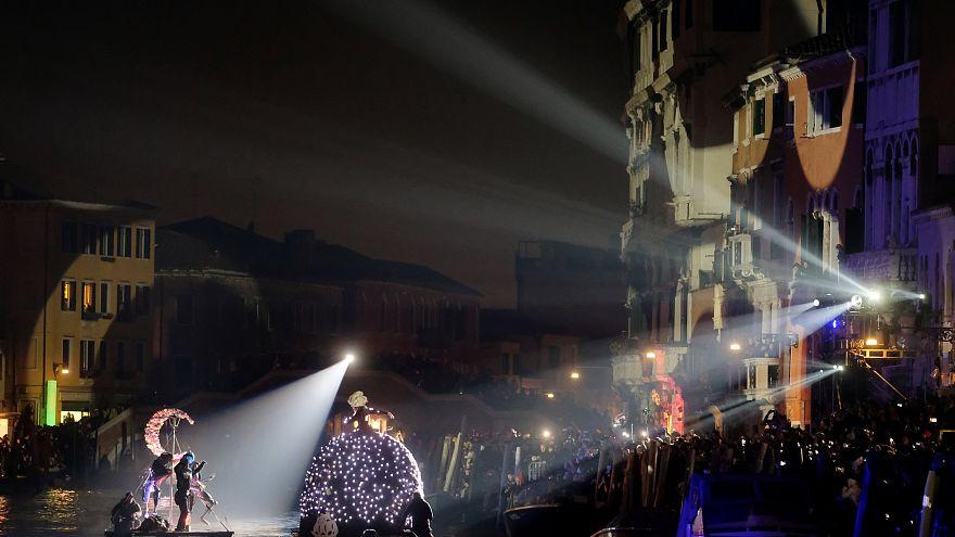 Venedig läutet stilvoll die 5. Jahreszeit ein