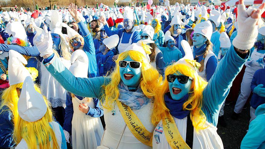 Schlumpf-Weltrekord aufgestellt: Lauchringen verwandelt sich für einen Tag in Schlumpfhausen