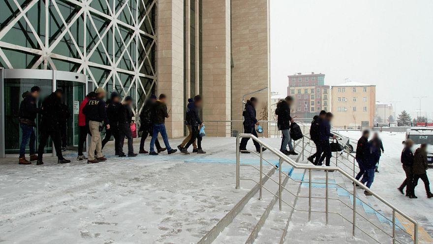 Kitlesel eylem hazırlığı iddiasıyla 735 şüpheli gözaltına alındı