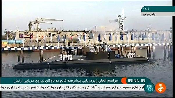 شاهد: الرئيس الإيراني يدشن غواصة جديدة محلية الصنع مزودة بصواريخ كروز