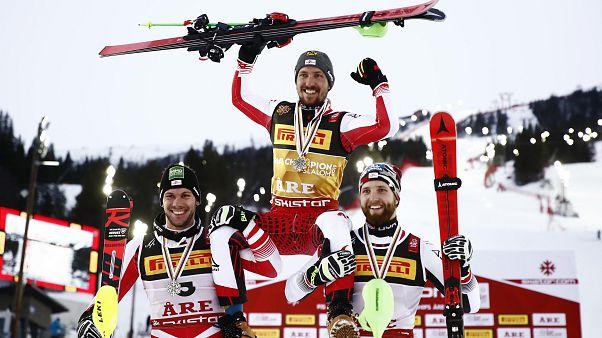 Sci, Mondiali: giornata storica per Hirscher e l'Austria nello slalom