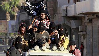 """داعش من """"دولة الخلافة"""" إلى الحصار في قرية الباغوز"""