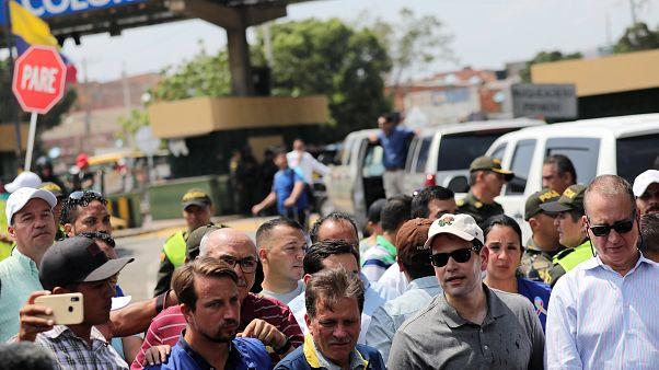 Αμερικανική αντιπροσωπεία στα σύνορα με τη Βενεζουέλα