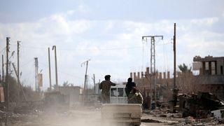 """استعدادات لتطهير قرية الباغوز من """"داعش"""""""