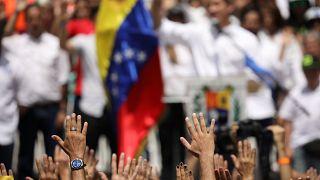 EP-képviselőket utasítottak ki, még mielőtt beléptek volna Venezuelába