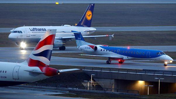 İngiliz hava yolu şirketi Flybmi Brexit yüzünden iflas ettiğini duyurdu