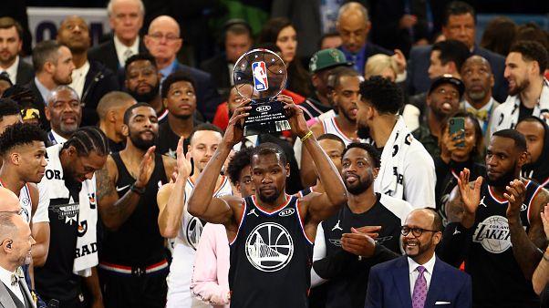 NBA All-Star'da LeBron'un takımı Durant ile gülen taraf oldu