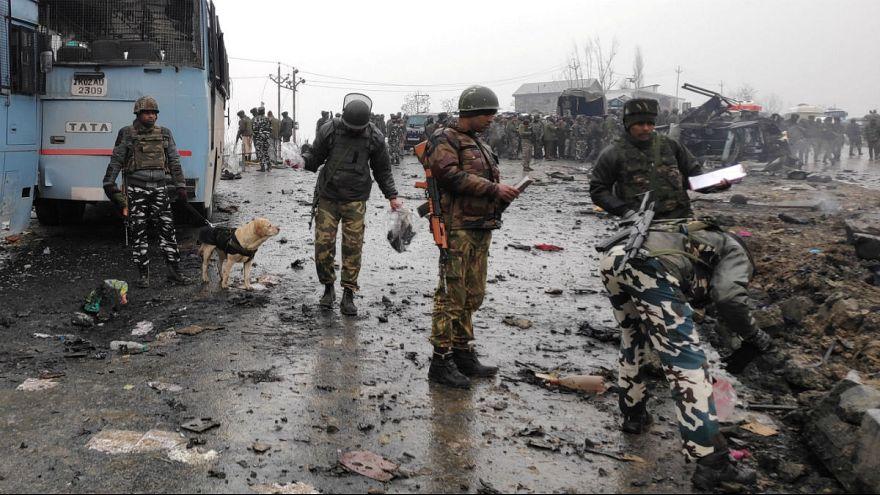 Keşmir gerilimi tırmanıyor: Pakistan Yeni Delhi büyükelçisini geri çağırdı