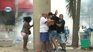 Confrontos entre adeptos do Vasco da Gama e polícia fazem 29 feridos