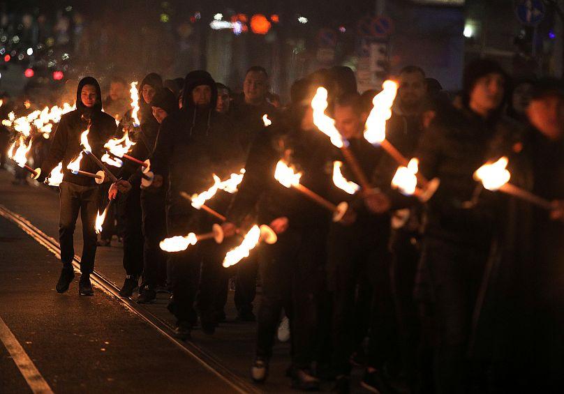 Ataques neonazis a más de 80 tumbas judías desatan marchas en Francia