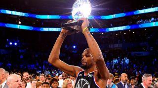Equipa LeBron arrecada vitória no All Star Game
