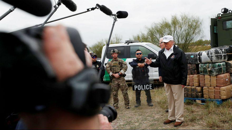 آیا ادعای ترامپ درباره قوانین مهاجرتی و قرعهکشی کارت سبز آمریکا درست است؟