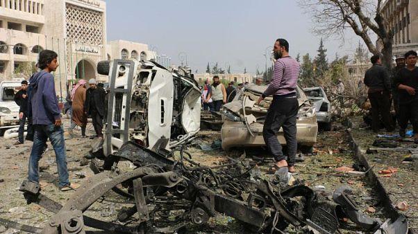 İdlib'de bombalı araç saldırısı: En az 15 kişi öldü