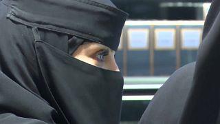 Arabia Saudita: la app per controllare le donne