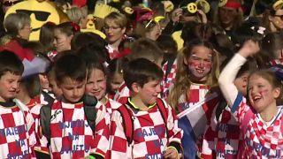 Hırvat çocuk karnavalında renkli görüntüler