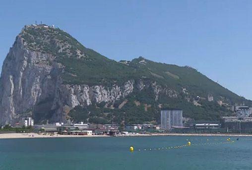 Le bollenti acque di fronte a Gibilterra