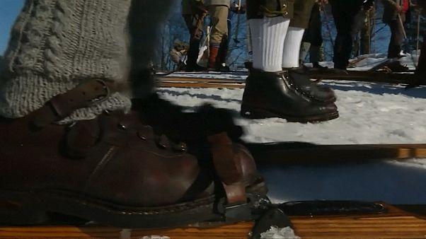 Traditionelle Holzskier: Teilnehmer wetteifern um Sieg