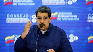 Μαδούρο για Γκουαϊδό: «Να ζητήσει εκλογές ο κλόουν»